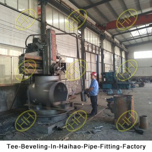 Tee-Beveling-In-Haihao-Pipe-Fitting-Factory
