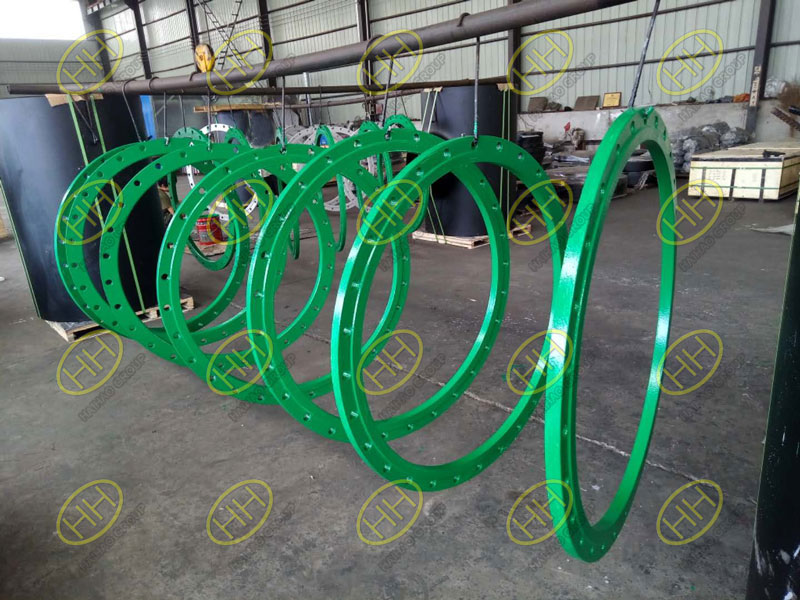 Flange coating with interthane-990-Polyurethane