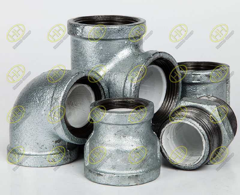 Galvanized plastic lined pipe fittings